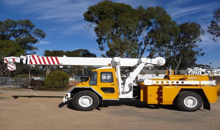 Franna crane hire Melbourne